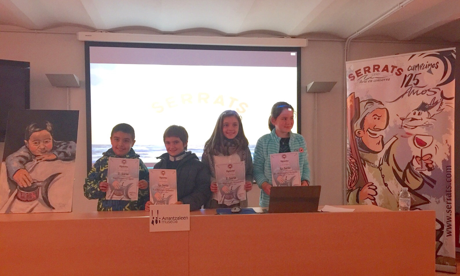 Los 4 ganadores en el museo del Pescador
