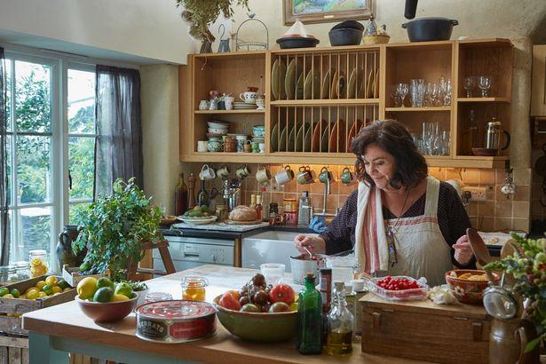 Lata de Bonito del Norte Serrats en una escena de la serie Delicious