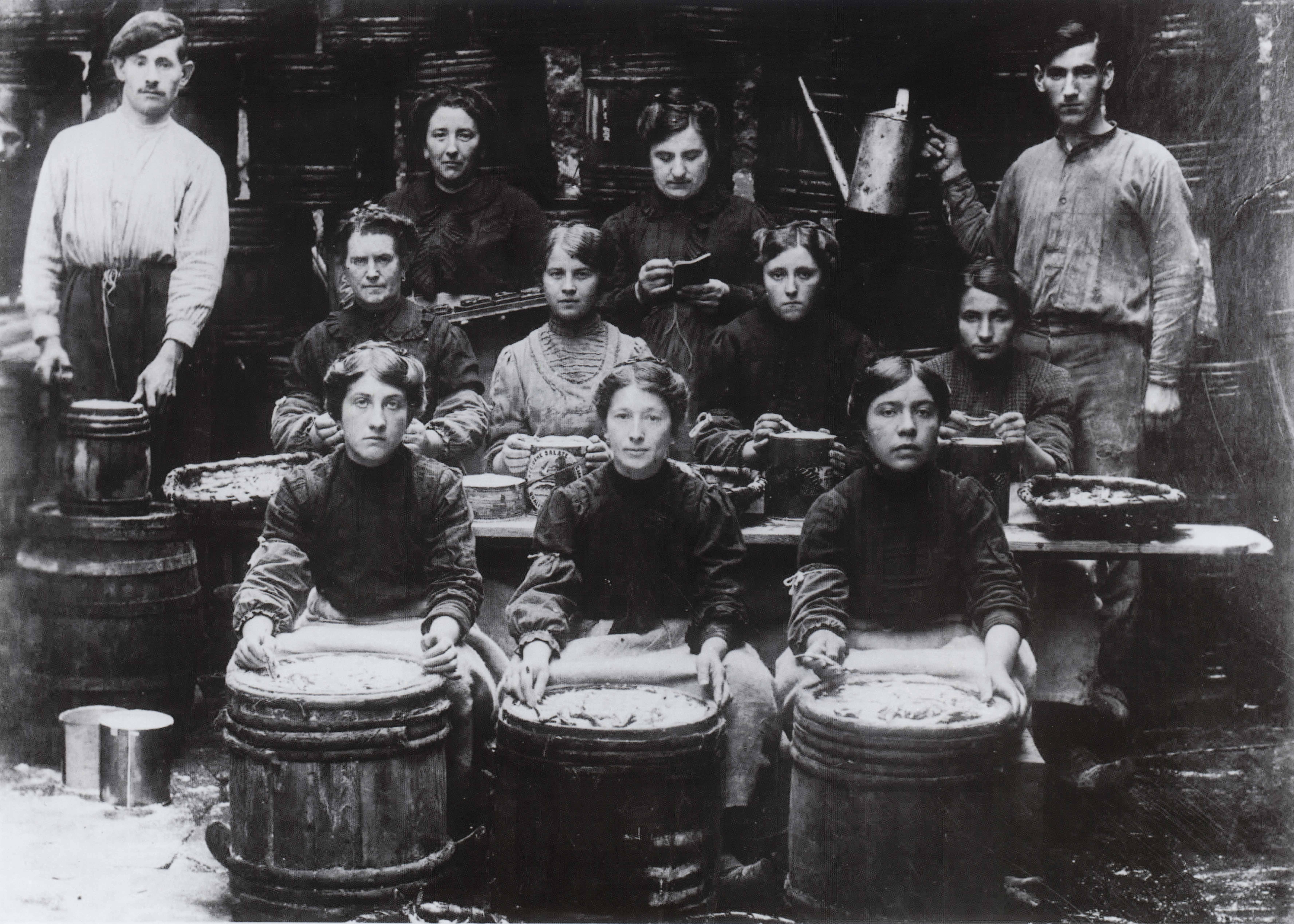conservas_serrats_trabajadores_bermeo_1920